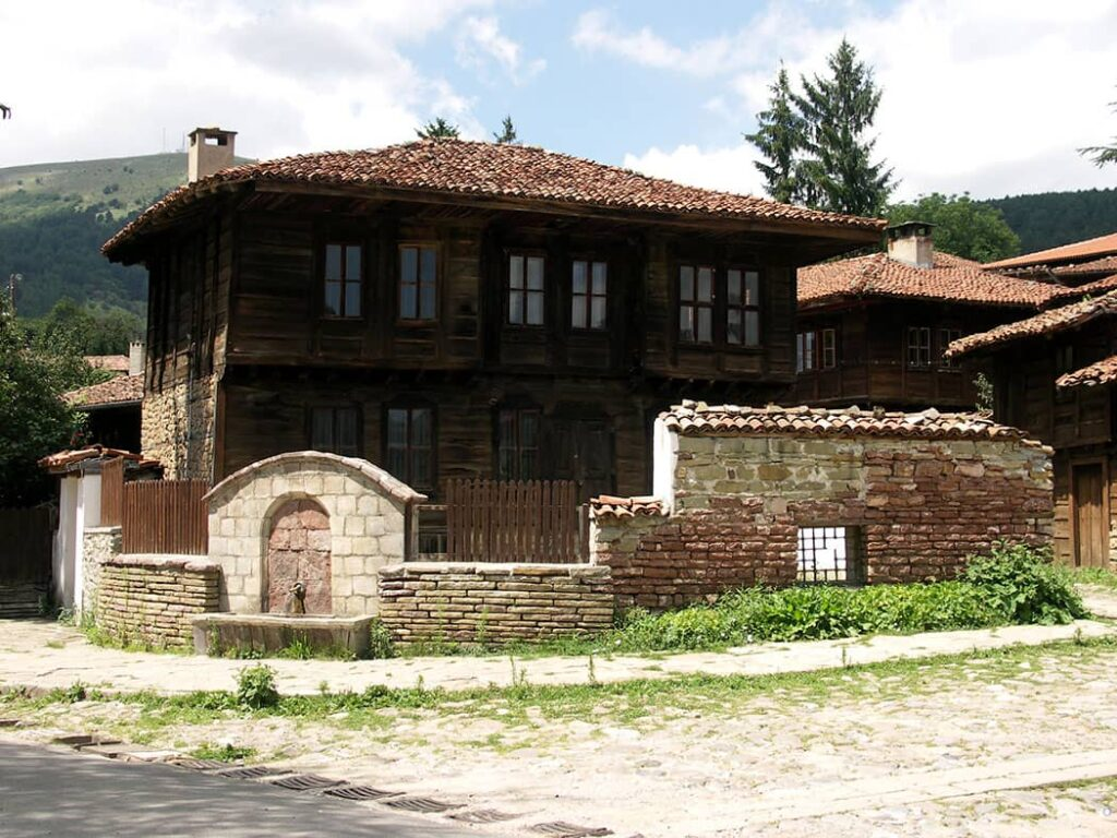 Kotel small towns to visit in Bulgaria